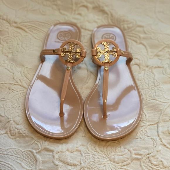 03bbd8c56 Tory Burch Sandals - Blush. M 5acfa3265512fd38209300cb
